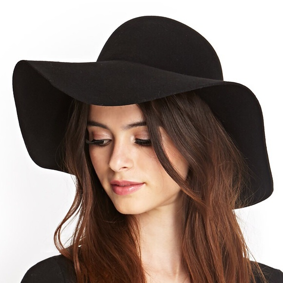 3c0ac556b19 Forever 21 Accessories - Forever 21 black floppy hat.